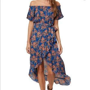 ONeill off the shoulder dress size XS **worn once